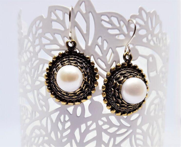 Bronzas Saules auskari ar dabīgu pērli