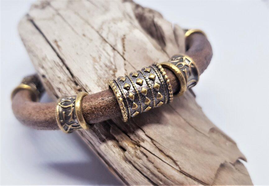 Ādas aproce ar bronzas dekoriem (brūna, kods BR_017)