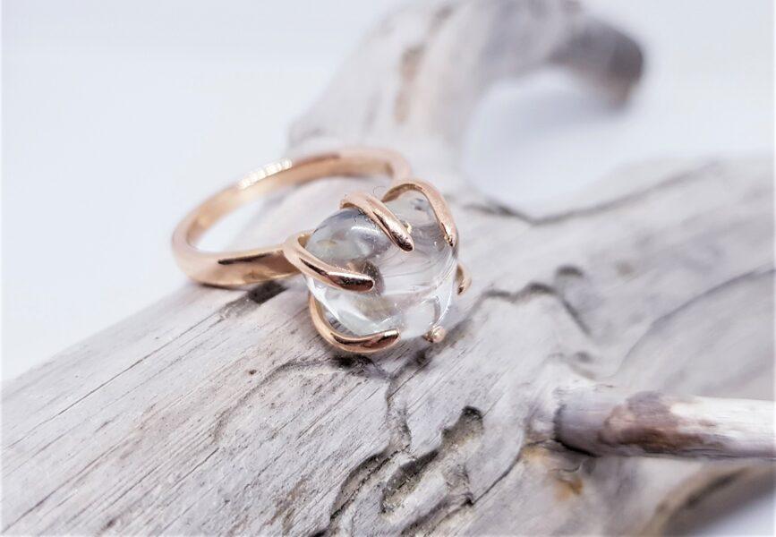 """Zelta gredzens ar topāzu """"Ārpus ierastā"""" (gluds)"""