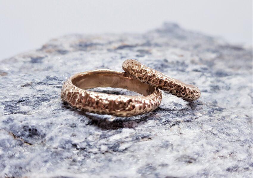 Laulību gredzeni ar reljefu stabilam pārim (biezi)